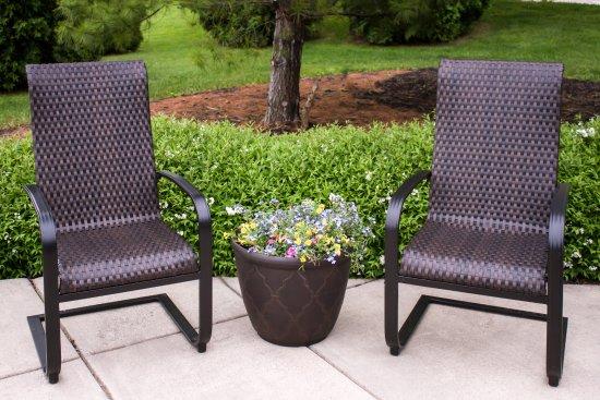 Maumee, Огайо: Outdoor seating area