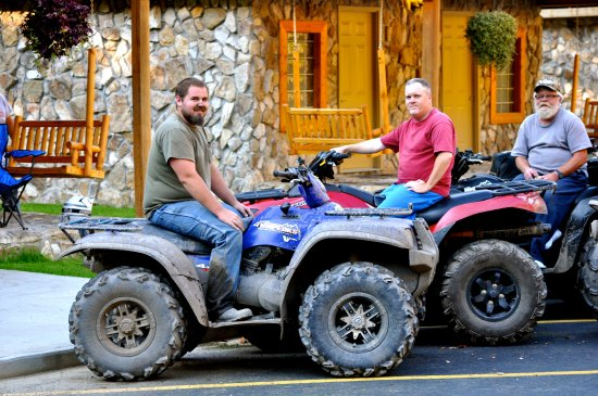 Bluefield, Virginia Occidental: We have plenty of miles and accommodations  for your next ATV trip!