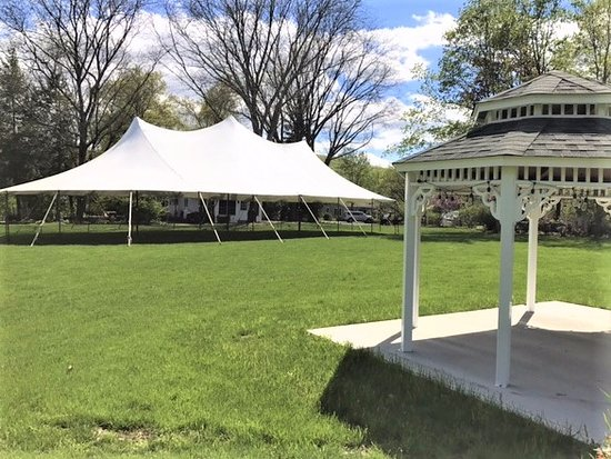 Salisbury Mills, Νέα Υόρκη: The Gazebo and Event Tent