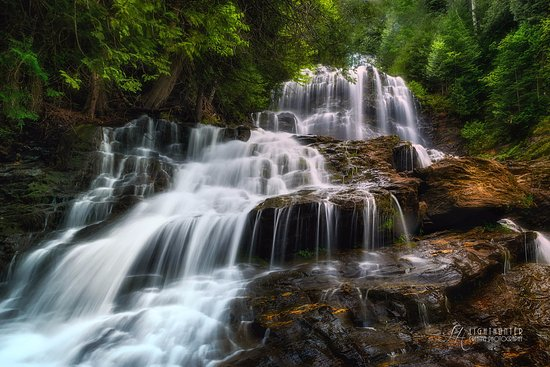 Beaver Brook Falls Natural Area: Photo taken by LightHunter