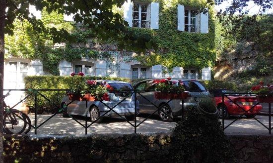 Moulin de la Beune: Parking
