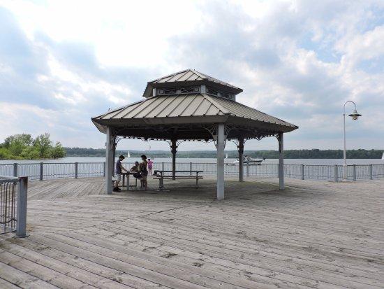 Pier 4 Park : Pier 4