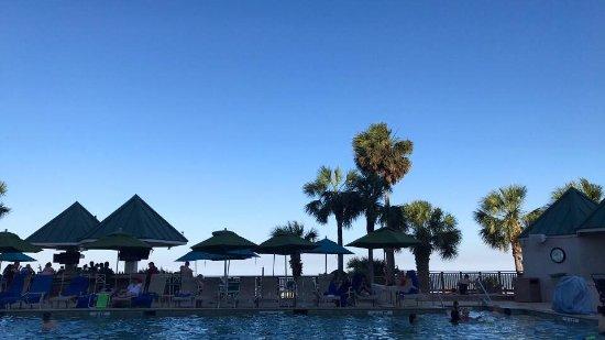 Hilton Head Marriott Resort & Spa: Sunset at the Pool