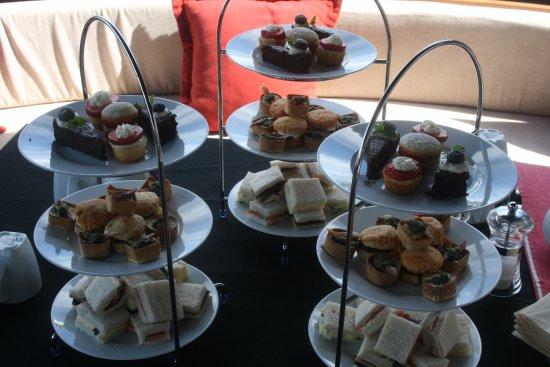 Athlone, Ιρλανδία: Afternoon Tea 1