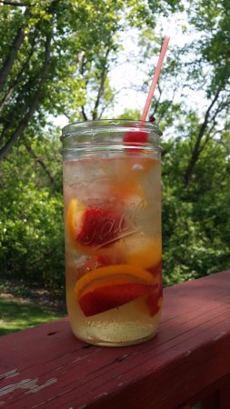Fergus Falls, MN: Enjoy our Peach Sangria on the deck!