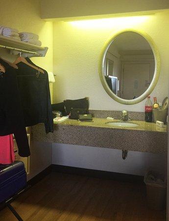 Red Roof Inn Syracuse 54 ̶5̶9̶ Updated 2018 Prices