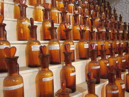 Parfumerie Laboratoire Cyrnarom