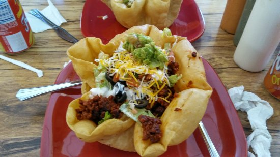 Westfield, État de New York : Taco salad is now available at MoJo's.  Shown here with Chorizo and steak.  Yum