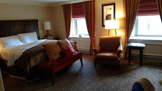 Omni William Penn Hotel: King room