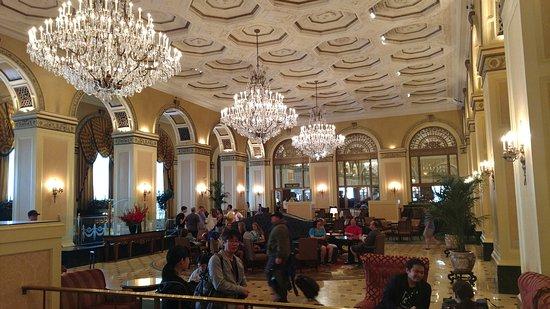 Omni William Penn Hotel: Main lobby