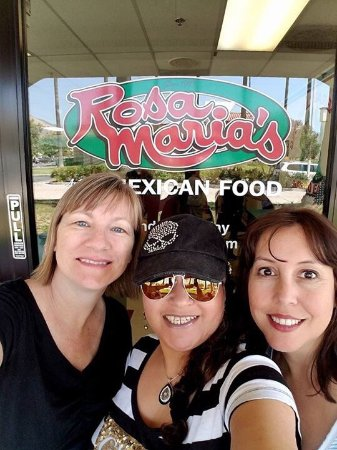 Highland, CA: Great place to eat with friends!