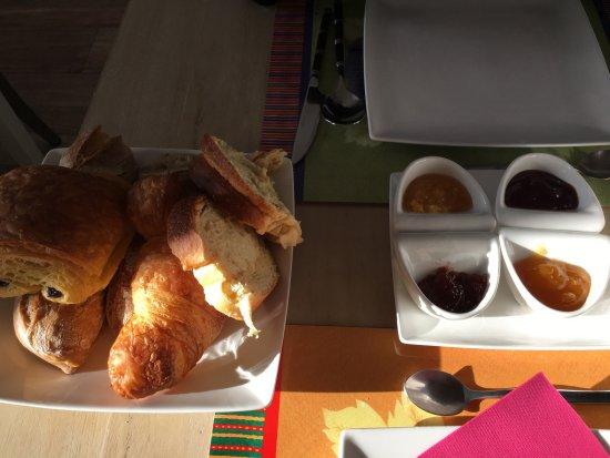 Ahetze, Frankrike: petit déj