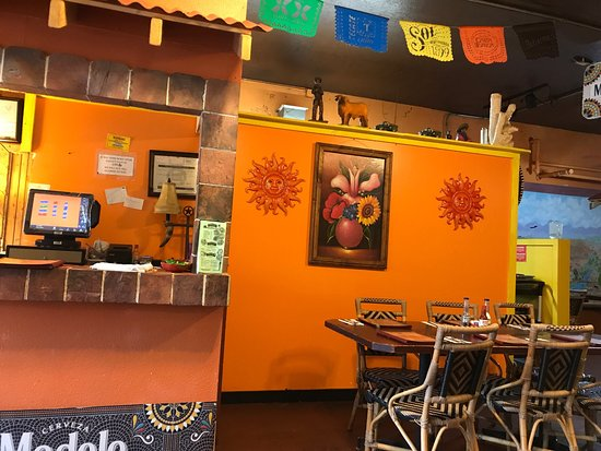 Vernonia, Oregon: Very clean restaurant. Great food.