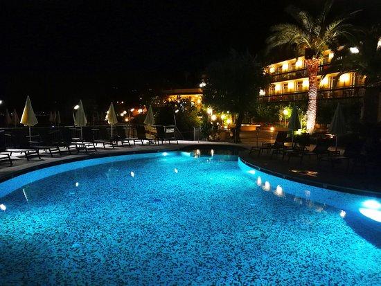 Hotel Cristina: IMG_20170612_224505_118_large.jpg