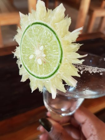 Pemenang, Indonesien: Beautiful cocktail garnishes