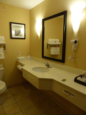 Idaho Falls Sleep Inn - Bath in King Room - Picture of Sleep Inn & Suites, Idaho  Falls - Tripadvisor