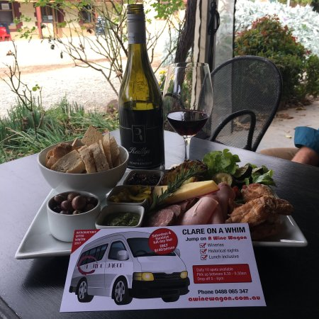 Angaston, Australien: Jump on A WIne Wagon $85.00 week days in The Barossa incl. Lunch and a glass of Wine or Clare on