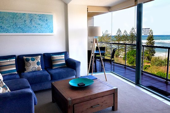 Caloundra, Austrália: Living Area Two Bedroom Apartment
