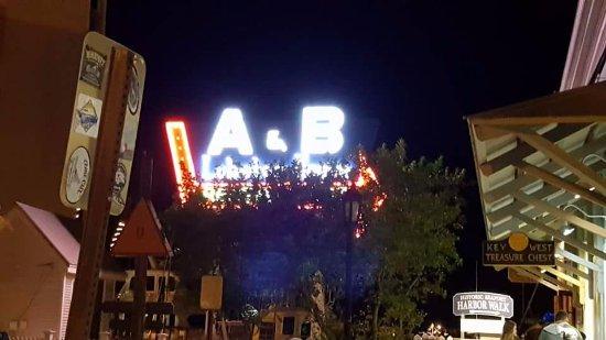 A & B Lobster House: A&B Lobster House