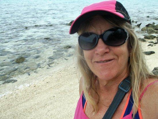 Muri, Islas Cook: walking round the island