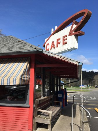 Otis Cafe : Small Diner , great bread!