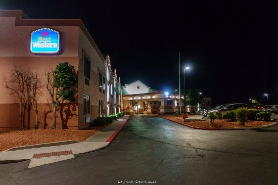 lights up the night picture of best western view of lake powell rh tripadvisor com