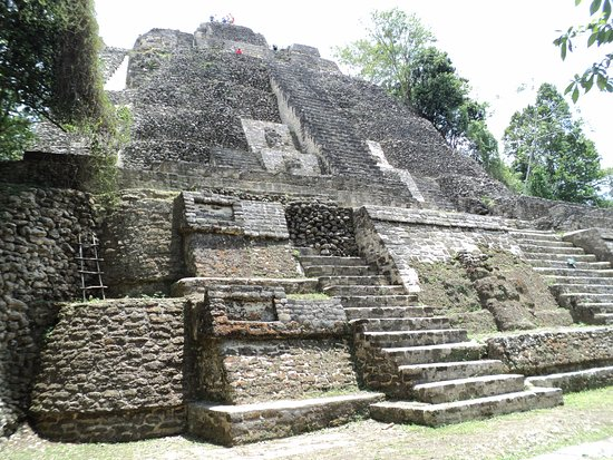 District Belize, Belize: Second temple (You can climb stairs in the back to the top.