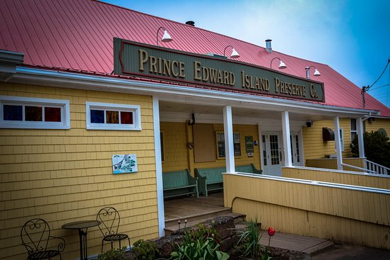 Garden Walk Dining: Picture Of Prince Edward Island Preserve