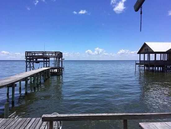 Bay Breeze Bed & Breakfast: View from the Pier