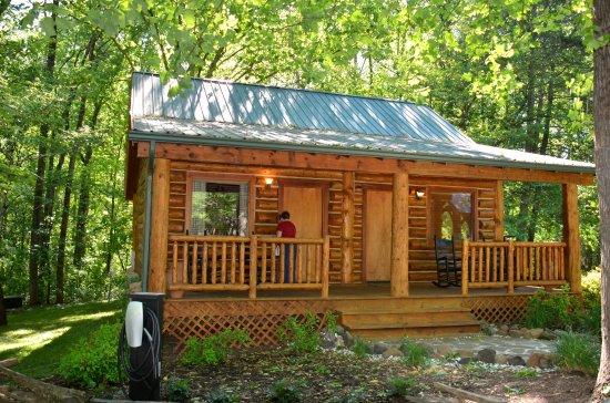 Dancing Bear Lodge: Anita enters our Evergreen Spruce Cabin
