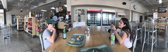 St-Viateur Bagel & Cafe DDO