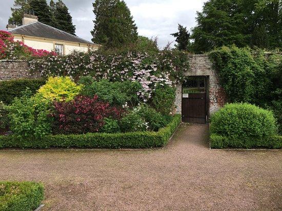 Culloden House: Lovely Garden