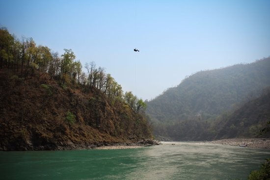 Shivpuri, Ινδία: The only adventure activity in Rishikesh right over the river!