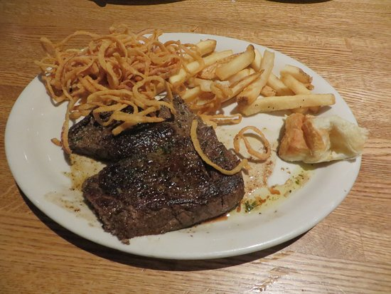 Nicholasville, KY: Sirloin steak with half-fries, half Copper Reds -- fried onions.