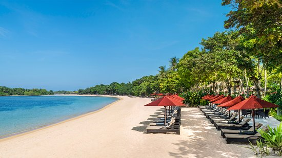 The Laguna, a Luxury Collection Resort & Spa: Beachfront