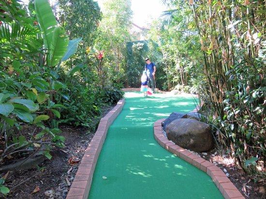 Caloundra, Australia: One of the best mini golf courses I've enjoyed. Very pretty.
