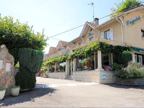 Bielle, فرنسا: Entré de l'hotel