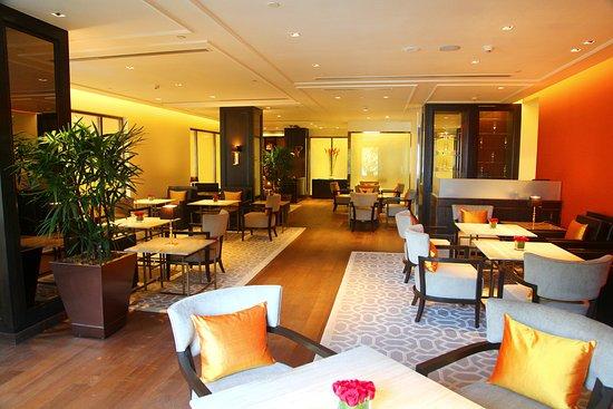 The Oberoi, Mumbai: Capital O Lounge