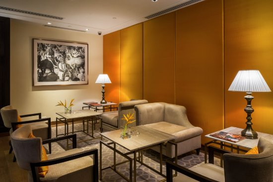 The Oberoi, Mumbai : Cigar Lounge