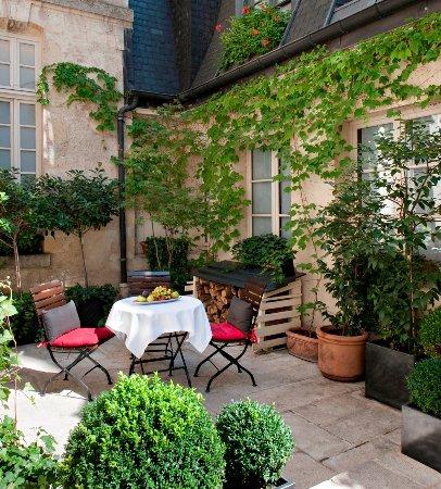 Cafe Laurent: Café Laurent Paris - petit patio