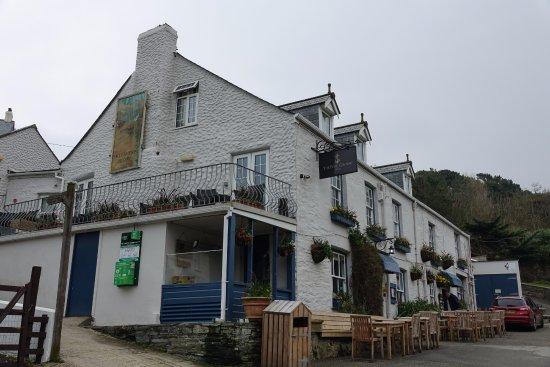 Port Gaverne Hotel
