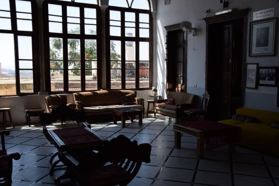 Fauzi Azar Inn by Abraham Hostels: Common living room