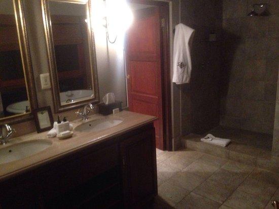 Imbali Safari Lodge: photo1.jpg
