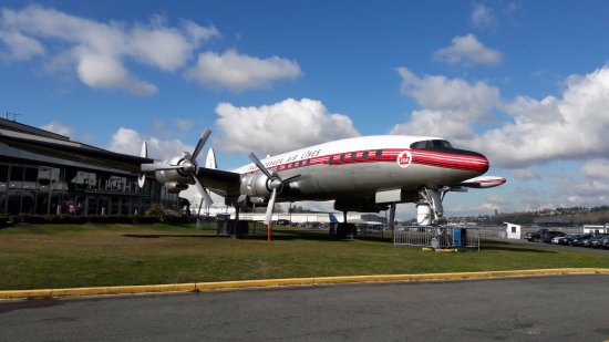 Mukilteo, WA: 波音飛行博物館(Museum of Flight),洛克希德的L-1049G超級星座式客機(Lockheed L-1049G Super Constellation)