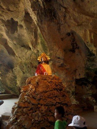Monte Cueva Shrine: inside part