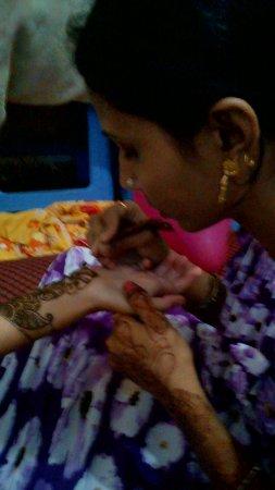 Learn Henna Varanasi
