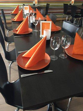 Olofstrom, Sweden: Vi har många sittplatser hos oss och dukar gärna upp till er