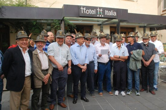 Hotel Italia: ufficiali artiglieria da montagna del 73° corso AUC (1973-74)