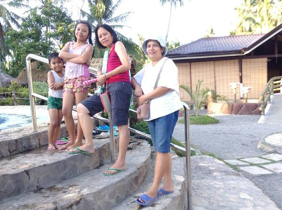 Dongon Hillside Resort: @ d staircase going to the pool