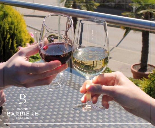 Granges-Paccot, Switzerland: drink en terrase